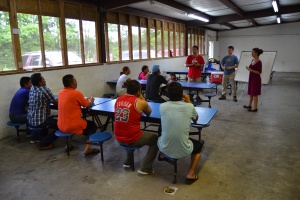 SAF interns teaching English to migrant farmworkers