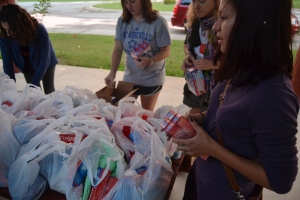 UNC students fill bags